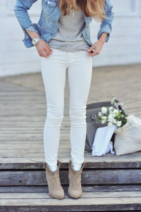 White jeans, gray top, chambray, & ankle boots. Not wearing those pants correctly with ankle boots though