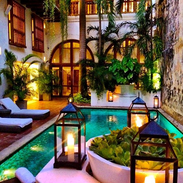 Good morning from the courtyard of Cartagena's @casasanagustin. #OutOfOffice
