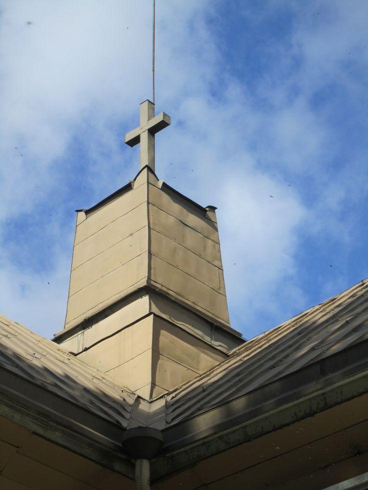 Suomusjärven kirkon peltikatto