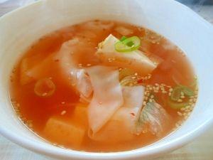 簡単、お手軽~豆腐とワンタン皮のキムチスープ レシピ・作り方 by アルプスの乙女|楽天レシピ