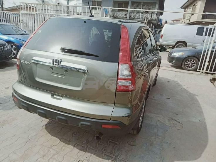 Looking to buy a Used 2008 Light Green Automatic Honda CR