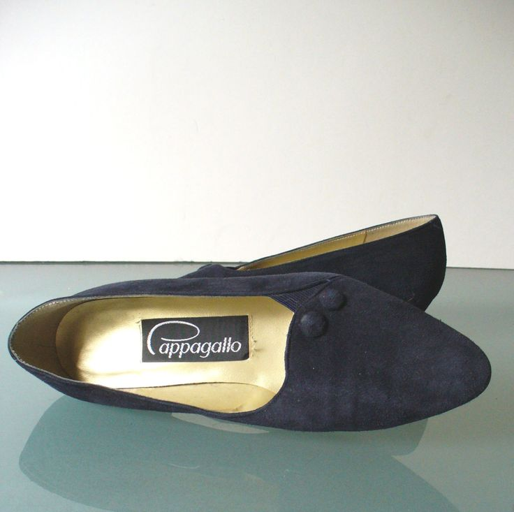 Vintage Pappagallo Navy Blue Suede Pumps  7 US by TheOldBagOnline on Etsy