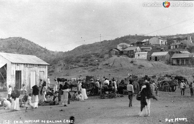 MercadodeSalinaCruz, Oaxaca (ca. 1910).