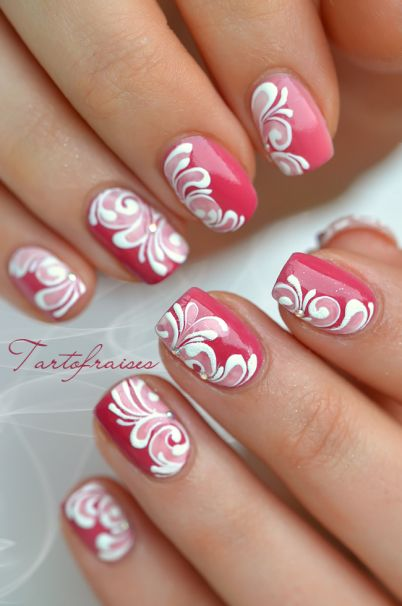 Nail art mariée rose et blanc