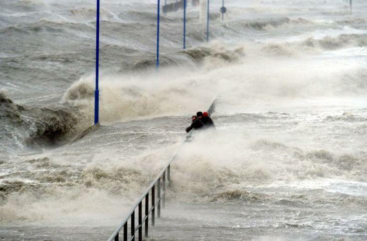 """04.12.-06.12.2013 - Orkan """"Xaver"""" wütet über Nordeuropa (Schwerpunkt: Britische Inseln & Deutschland)"""