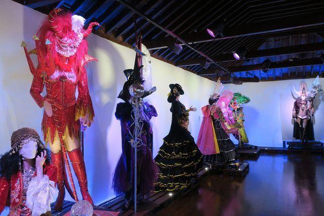 Grupo Mascarada Carnaval: Los vestidos de Carnaval de Hortensio Valles se ex...