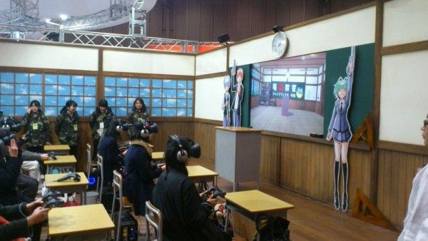 Une classe d'école qui joue avec des casques VR pour tuer leur professeur #AssassinationClassroom Jump Festa