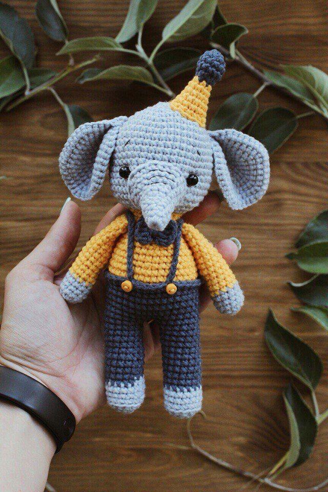 PDF Маленькие слоники. Бесплатный мастер-класс, схема и описание для вязания игрушки амигуруми крючком. FREE amigurumi pattern. #амигуруми #amigurumi #схема #описание #мк #pattern #вязание #crochet #knitting #toy #handmade #рукоделие #слон #слоник #слониха #слоненок #elephant