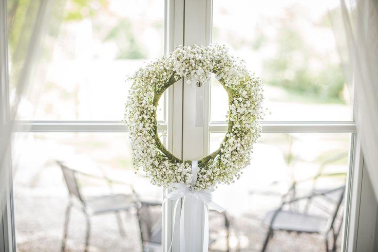 wieniec z gispówki / wreath #decoration #wedding #flowers #rustic #bouquet #wreath #babybreath #whiteflowers