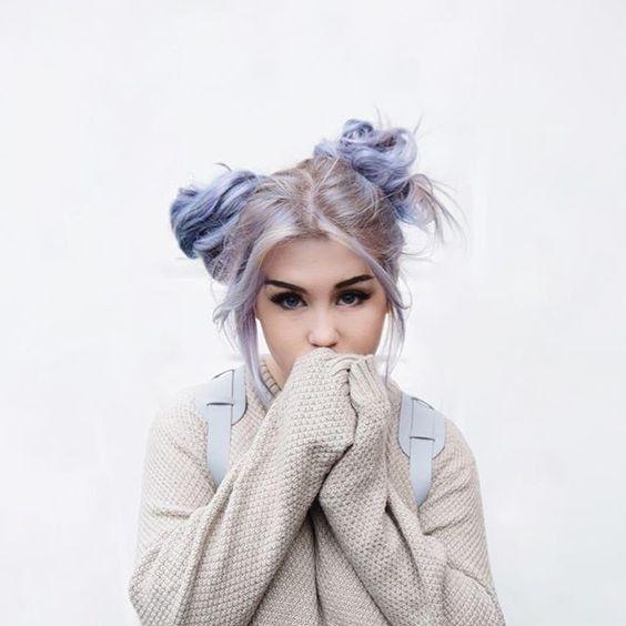 coiffures cheveux colors chignons coloration coiffures de piscine pains doubles inspo cheveux inspiration cheveux chignon - Coloration Violet Pastel