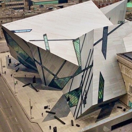 Royal Ontario Museum, Toronto. I adore the Lee Ching Crystal.  Such a controversial yet amazing addition to the museum.  #museumdesign