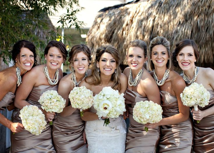 Chunky pearl statement necklaces for bridesmaids