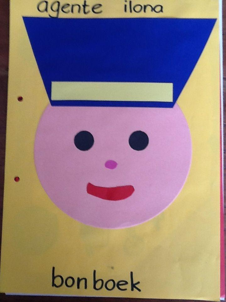 Politieagent knutselen. Logo van politie kan je nog op de pet plakken.