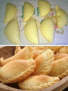 Receita de Pastel assado sem glúten feito com a massa pão de queijo, fica delicioso, sempre é bom experimentar sair um pouco dos pasteis tradicionais que geralmente são frituras. esse receita é mais saudável não contém....