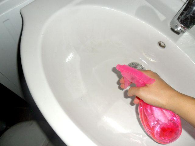 házi tisztító praktikák ecet, szódabikarbóna, só stb felhasználásával