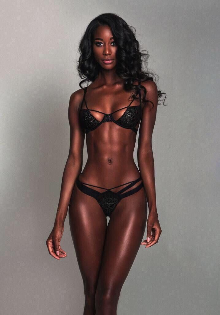 A gorgeous black girl do a very hot dp af 1