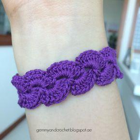 lace scallop bracelet... Free pattern!