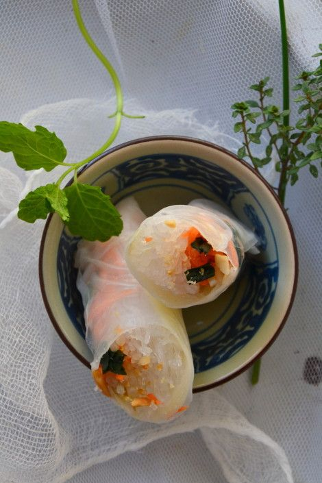 Rouleaux de printemps végétaux aux algues wakamé http://www.lesrecettesdejuliette.fr
