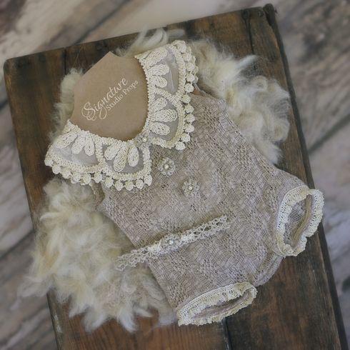 Taupe Crochet Lace Romper                                                                                                                                                                                 Más