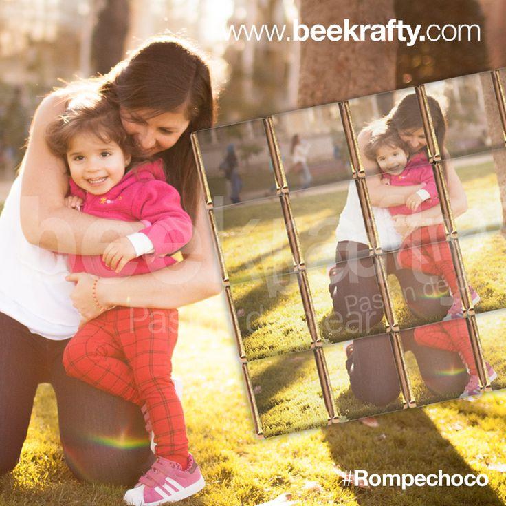 ¿Tienes una foto que te gusta mucho?  Regálala en la forma más original, en un rompecabezas de chocolate.  www.beekrafty.com #beekrafty #pasionporcrear