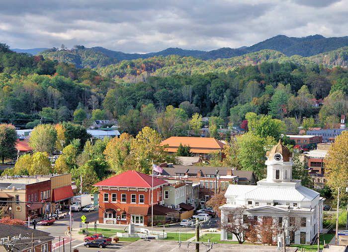 Smoky mountain travel guides – bryson city, cherokee, fontana lake.