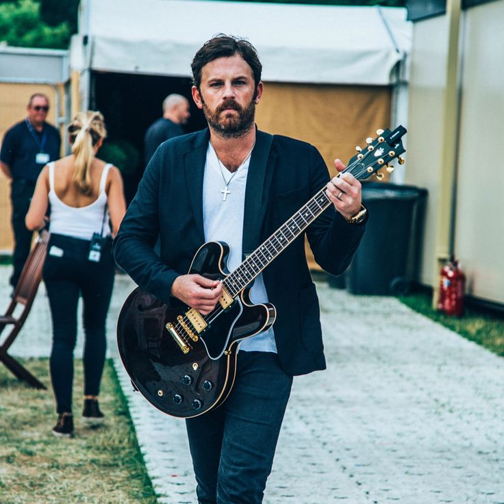 "Gefällt 21 Tsd. Mal, 141 Kommentare - Kings Of Leon (@kingsofleon) auf Instagram: ""Some cool moments from Hyde Park. In chronological order. : @privatefoto"""