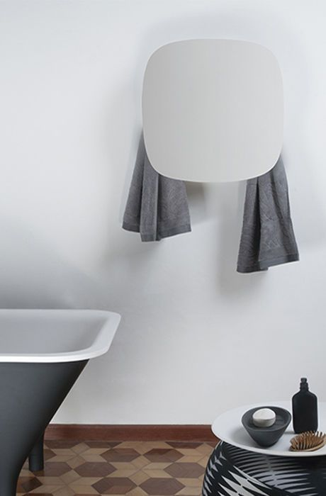 Electric towel radiator / square / metal / wall-mounted I GEOMETRICI-SQUARE by Monica Geronimi mg12