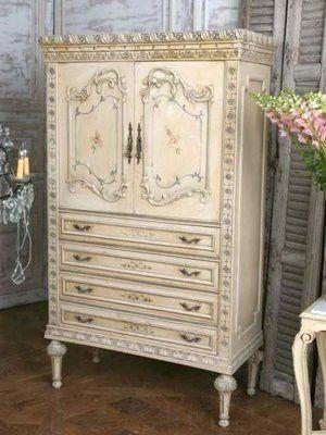 dresser shabby chicVintage Closets, Dining Room, China Cabinets, Vintage Dressers, Shabby Chic, Vintage Wardrobe, Vintage Floral, Vintage Bedrooms, Vintage Furniture