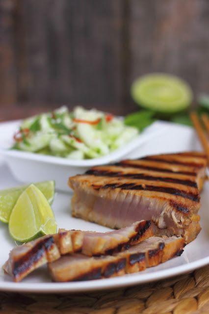 Smakowity Blog Kulinarny: Grillowany stek z tuńczyka z azjatycką mizerią
