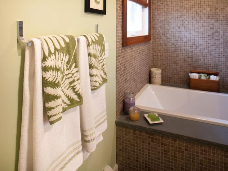 A subtle fern theme  a soothing wall color and spa style features define the. 1000  ideas about Define Master on Pinterest   Define minister