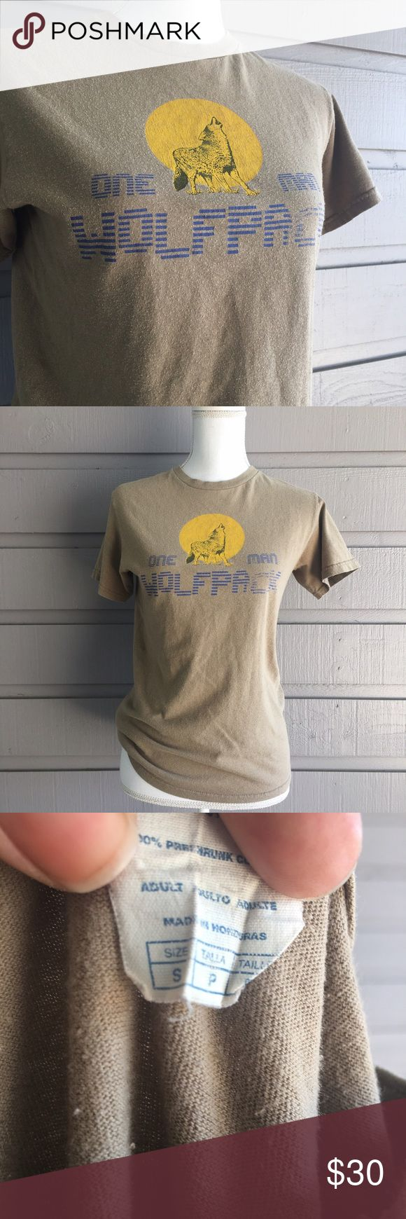 One man wolf pack vintage tshirt Great vintage condition! Minor pilling no stains. Questions welcome, all offers considered! Vintage Shirts Tees - Short Sleeve