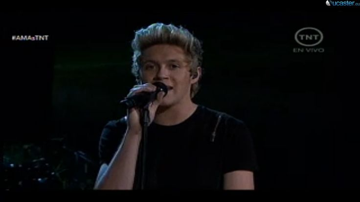 One Direction Interpreto Night Changes en los AMAs 2014 | RevoluTeg