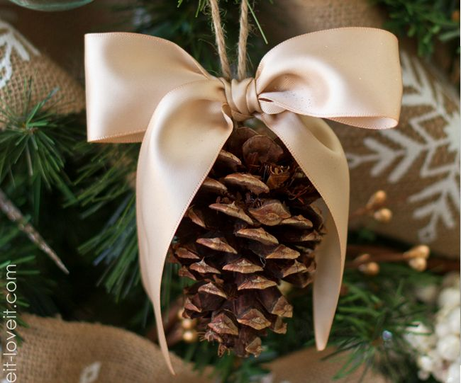 26 Impressive DIY Christmas Ornaments