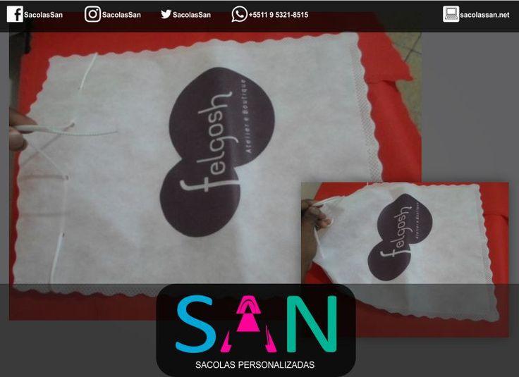 Saco de presente em TNT http://sacolassan.com.br/sacolas-de-tnt-personalizadas