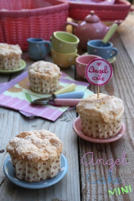 Mini Angel Cake di Montersino.... a pretty little cake!
