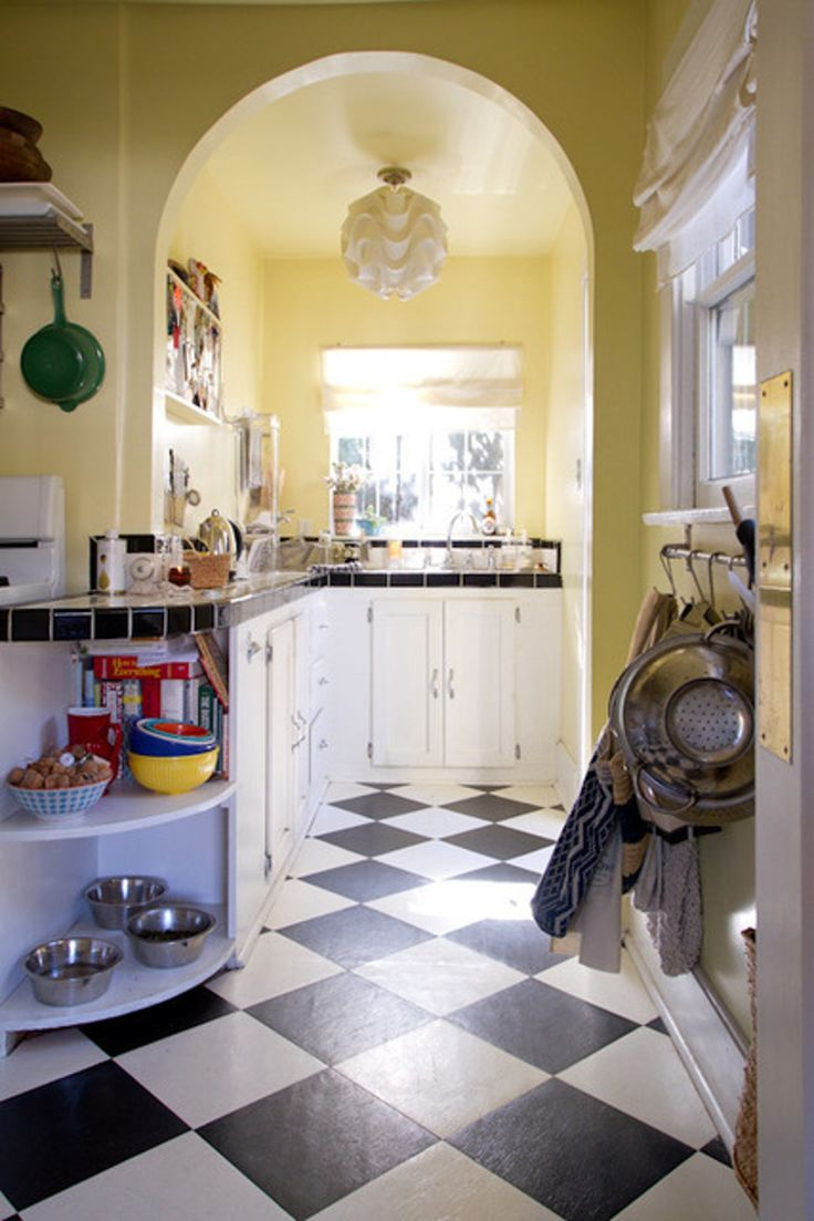 Yellow Kitchen 17 Best Ideas About Pale Yellow Kitchens On Pinterest Yellow