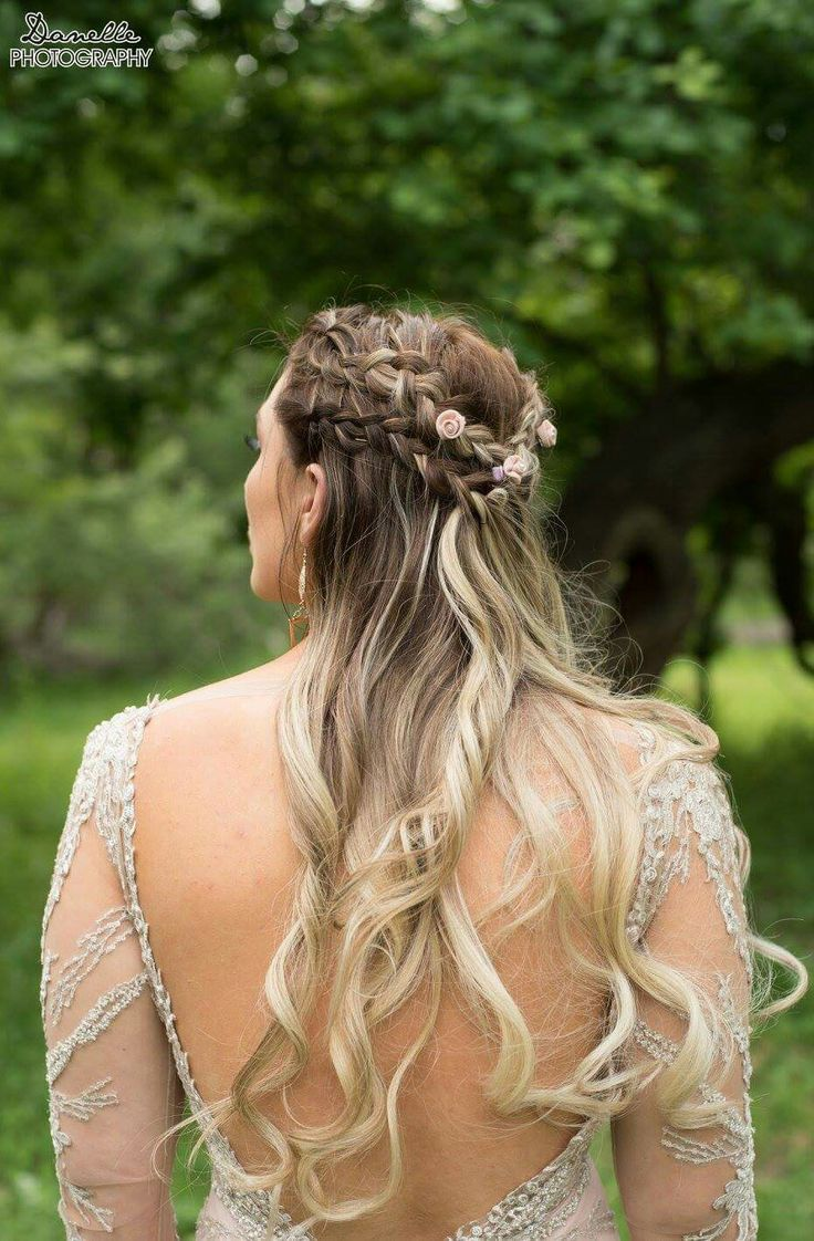 Beautiful ombre hair with braids and soft curls https://www.facebook.com/elpmakemeup/