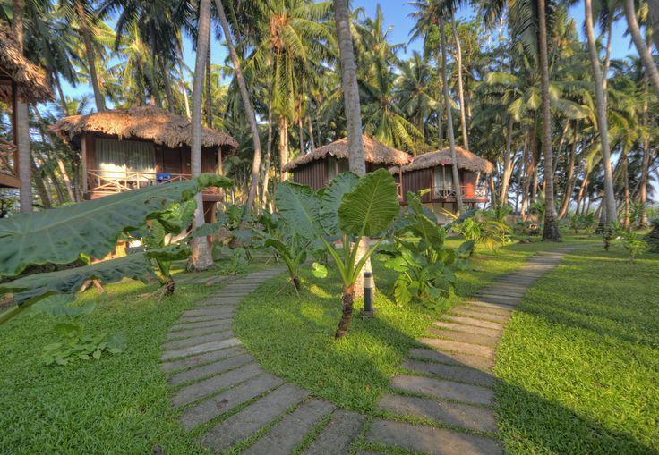 https://flic.kr/p/jCZ3DN | Cottages at Seashells Resort, Havelock Islands, Andaman & Nicobar Islands, India