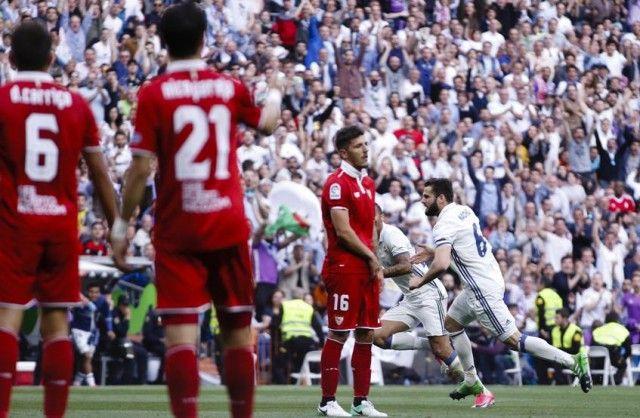 Hajar Sevila 4-1, Real Madrid Terus Tempel Ketat Barcelona