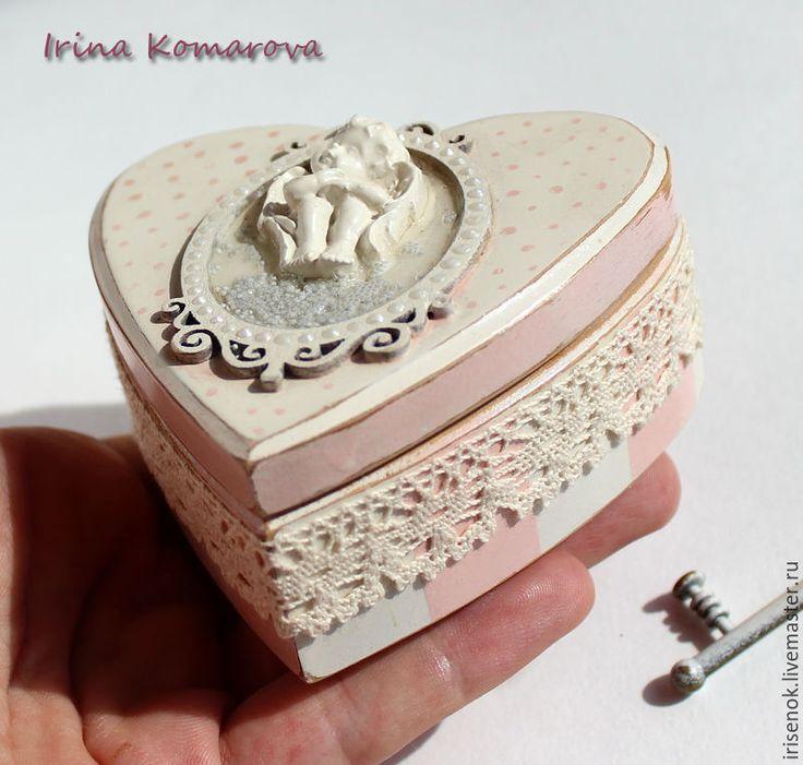 """Купить """"Розовые сны"""", шкатулка в форме сердца - бледно-розовый, шебби-шик, Декупаж, кедр"""