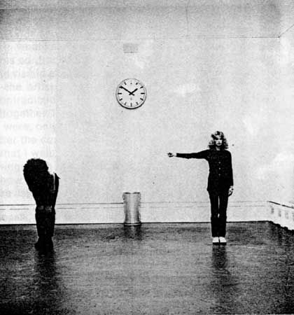 Primary Demonstration, Klaus Rinke/Monika Baumgart, 1971
