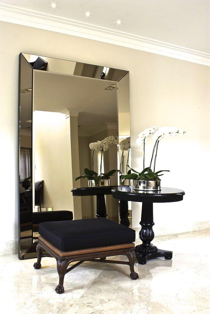 Conexão Décor www.conexaodecor.com Espelhos na decoração. Peça coringa em qualquer ambiente...adoramos espelhos ! No blog da Conexão Décor