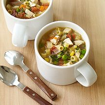 WW Homemade Chicken Noodle Soup; 4 pts + ...would love to try this if not for my PICKY boyfriend.