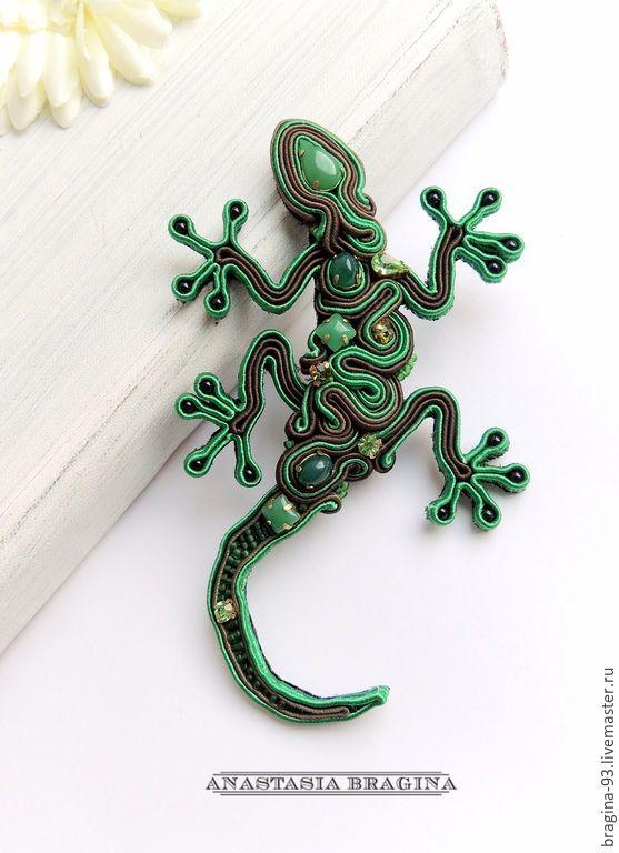 """Купить Сутажная Брошь """"Ящерка"""" - зеленый, ящерица, брошь-ящерица, рептилия, брошь для шали:"""