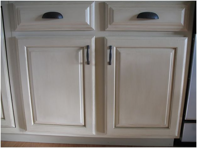 How to use off white gel stain ways to refresh your for Kitchen cabinets 50 off