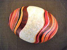 Galet peint à l'acrylique puis vernis - 10 - 12 cm de largeur Pierre Beige : Accessoires de maison par yuna-rouelle