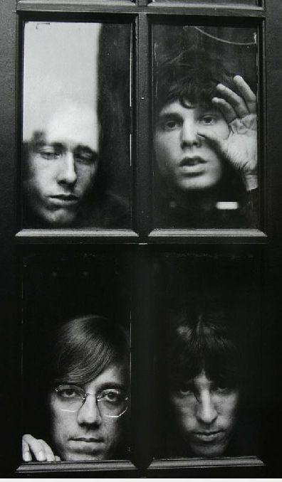 "The Doors,1968. Veja também: http://semioticas1.blogspot.com.br/2013/12/jim-morrison-aos-70.html  THIS one ... would have been a Great Cover for an L.P. "" No One Gets out of here Alive "" from the book by the same name !"