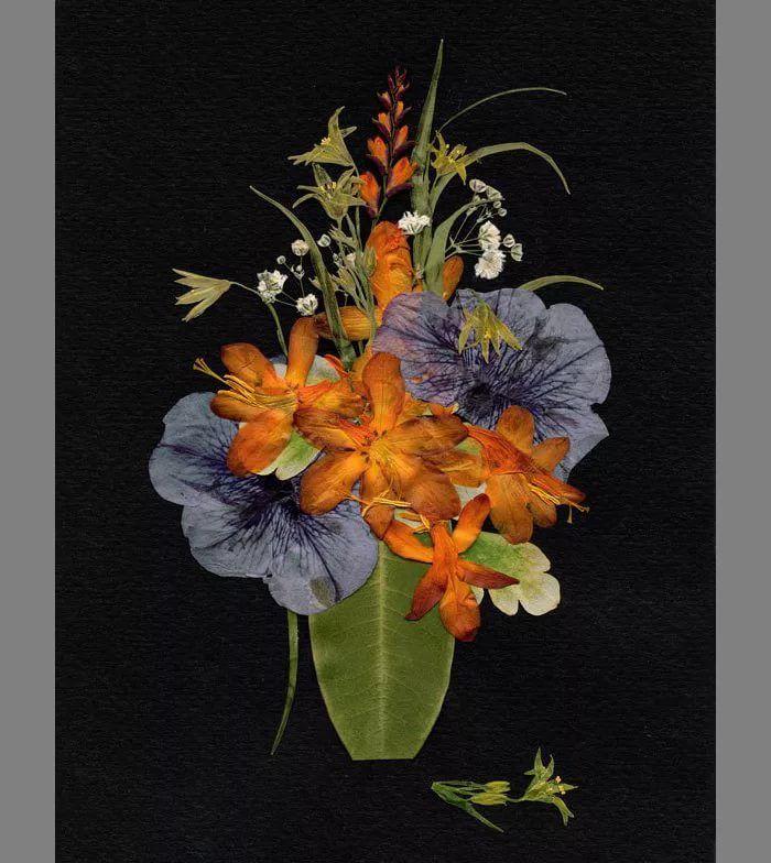 Композиции из сухих цветов и листьев, букет бордовыми розами