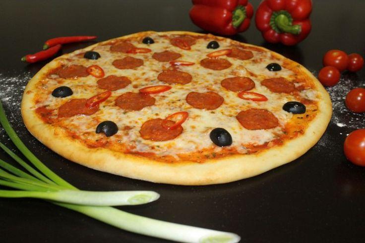 """http://elitavkusa.ru/pizza-geleznodorogniy/pepperoni.html  Пицца Пепперони - вкуснотища от Элиты Вкуса! http://elitavkusa.ru/pizza-geleznodorogniy/pepperoni.html  Состав: томатный соус, сыр """"Моцарелла"""", салями """"Пепперони"""", перец чили острый, маслины, специи  Цена: 390 рублей  Доставляем вкусняшки ну оччччень быстро по Железнодорожному🚀  👌Вкус удовольствия - оторваться невозможно!👌  Ждем Ваших заказов!  #доставкапиццы #элитавкуса #железнодорожный #лучшаяпицца #нямням #вкуснота…"""