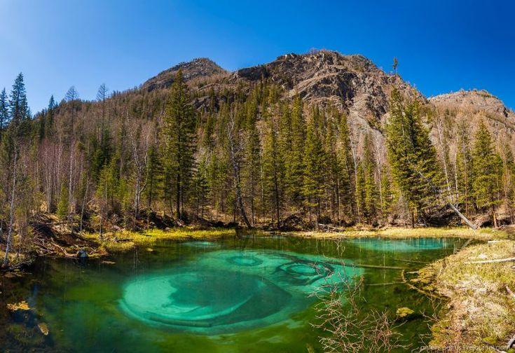 Алтайское Голубое озеро: волшебное и опасное / Туристический спутник